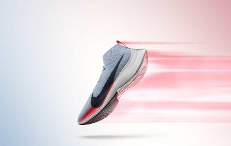 În septembrie 2014 kenyanul Dennis Kimetto stabilea recordul mondial la maraton după ce a parcurs distanța de 42,195 km, în 2 ore, 2 minute și 57 de secunde. Performanța i-a lăsat cu gurile căscate pe alergători de performanță cu multe maratoane la activ. Nike, vrea să reinventeze competiția de maraton cu un echipament care susține […]