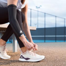 Adidas își promovează noul model de pantofi sport de alergare lansând o provocare unor atleți de top